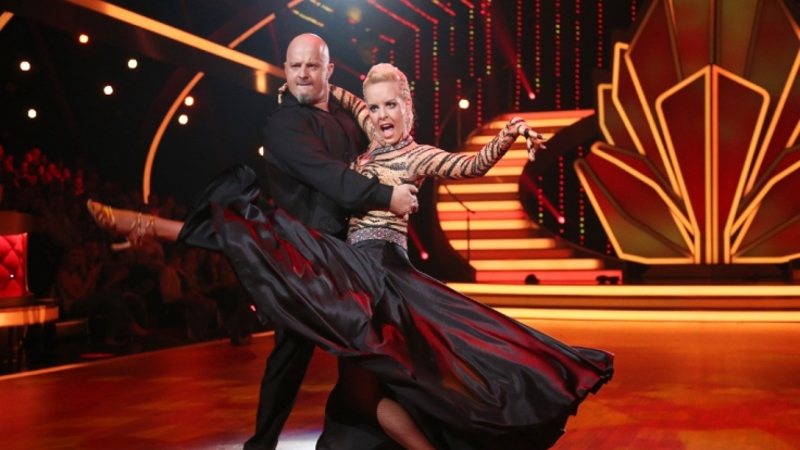 """Es hat sich ausgetanzt für Detlef Steves und seine Profi-Partnerin Isabel Edvardsson: Ihr Paso Doble konnte die """"Let's Dance""""-Jury nicht überzeugen. (Foto)"""