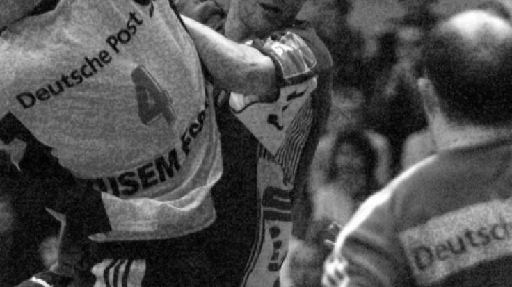 Handball-NationalspielerStefan Hecker, hier ganz rechts im Bild, ist tot. (Foto)