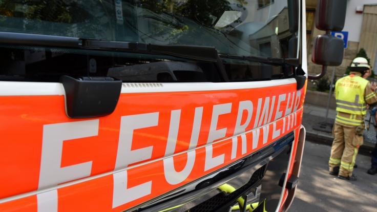 Nach einem Wohnungsbrand in Delbrück-Westenholz wurde die Leiche eines 84-Jährigen gefunden - offenbar fiel der Senior einem Verbrechen zum Opfer (Symbolbild). (Foto)