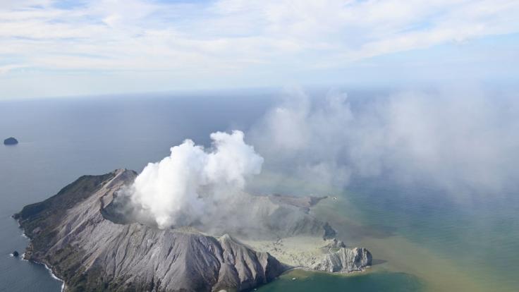 Auf Neuseeland kam es zu einem Vulkanausbruch.