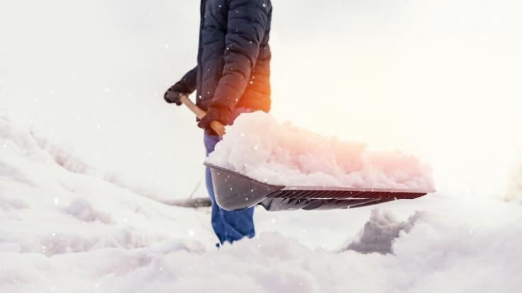 Am Wochenende rollt eine neue Schneefront über Deutschland hinweg. (Foto)