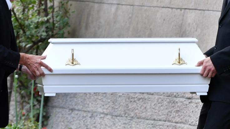 Der Tod eines Kindes lässt vor allem die Eltern in Schock zurück. (Symbolbild)