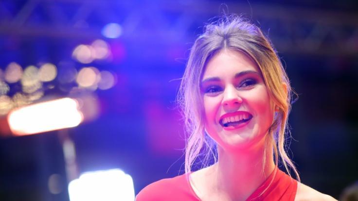 Stefanie Giesinger begeistert uns oben ohne in den Promi-News der Woche. (Foto)