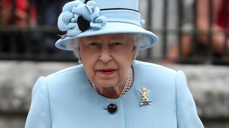 Queen Elizabeth II. wird eine Affäre mit dem Manager ihrer Rennpferde Lord Porchester nachgesagt. (Foto)