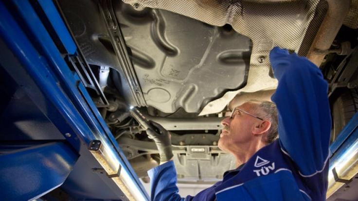 Der TÜV-Report 2016 deckt Mängelquoten an verschiedenen Fahrzeugtypen auf.