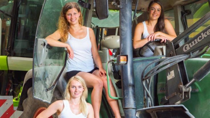 Marina, Maria und Barbara lassen Traktoren richtig sexy wirken.