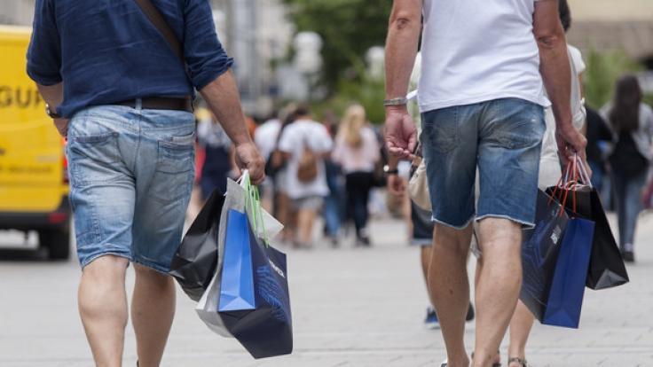 Auch an diesem Sonntag laden wieder verschiedene Städte zum Einkaufen ein. (Foto)