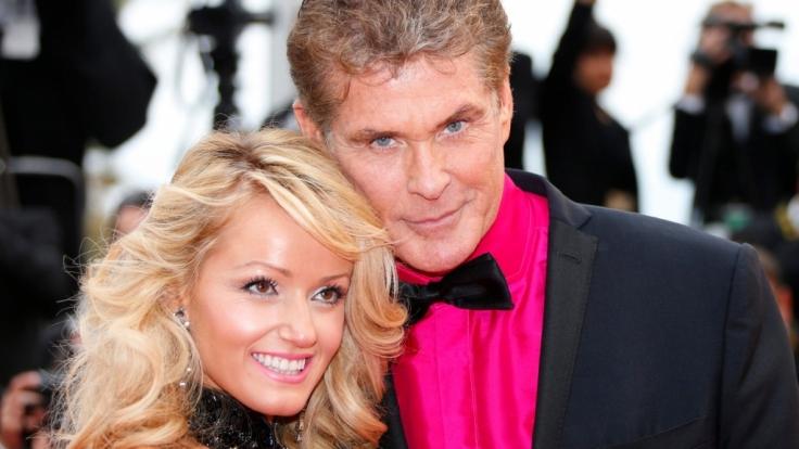 David Hasselhoff ist zwar knapp 30 Jahre älter als seine Freundin Hayley Roberts - doch im Schlafzimmer hat der 62-Jährige immer noch Tinte auf dem Füller. (Foto)