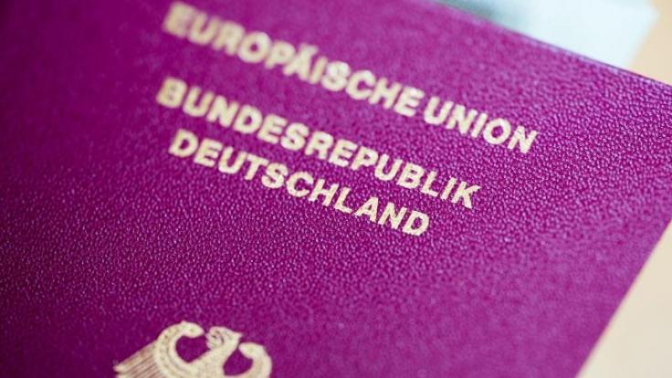 Personendaten, Passnummer und Lichtbild müssen bei einem Reisepass immer erkennbar sein. Ist der Pass ramponiert, kann im Einzelfall die Einreise verweigert werden.