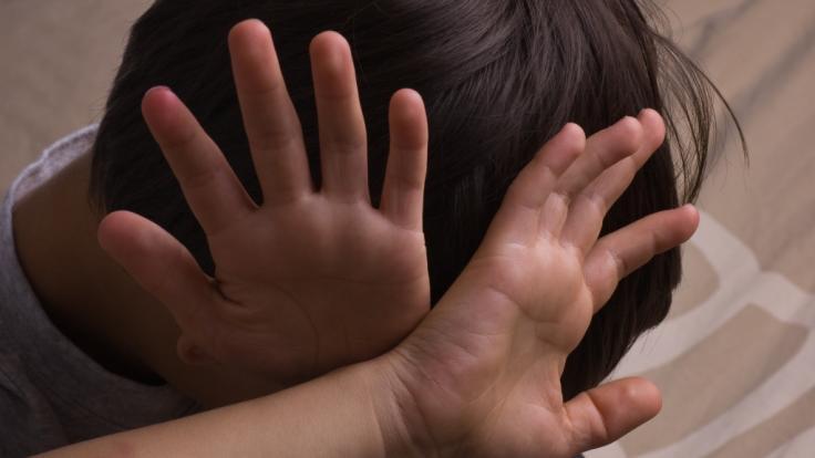 Ein US-amerikanisches Kindermädchen aus Florida muss sich wegen sexuellen Kindesmissbrauchs vor Gericht verantworten (Symbolbild). (Foto)