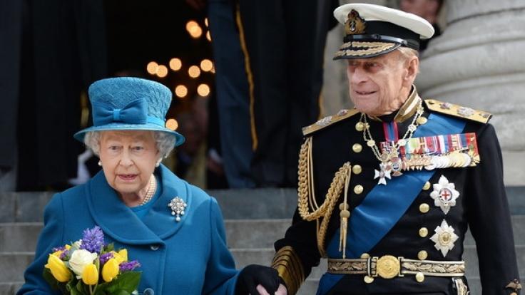 Zu seinem 95. Geburtstag zeigt sich Prinz Philip an der Seite seiner Frau noch sehr rüstig. (Foto)