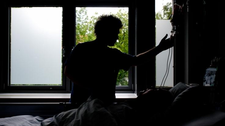 Nach monatelangen Qualen deckt ein Landarzt auf Fehmarn einen teuflischen Mordplan auf (Symbolbild). (Foto)