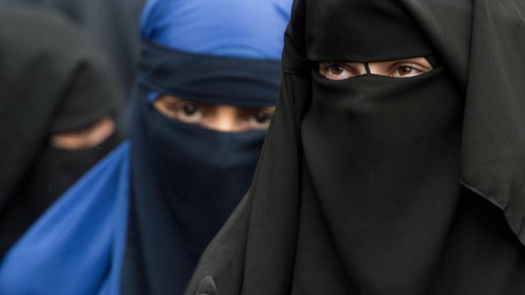 Burkas dürfen in Deutschland künftig nicht mehr beim Autofahren getragen werden. (Foto)
