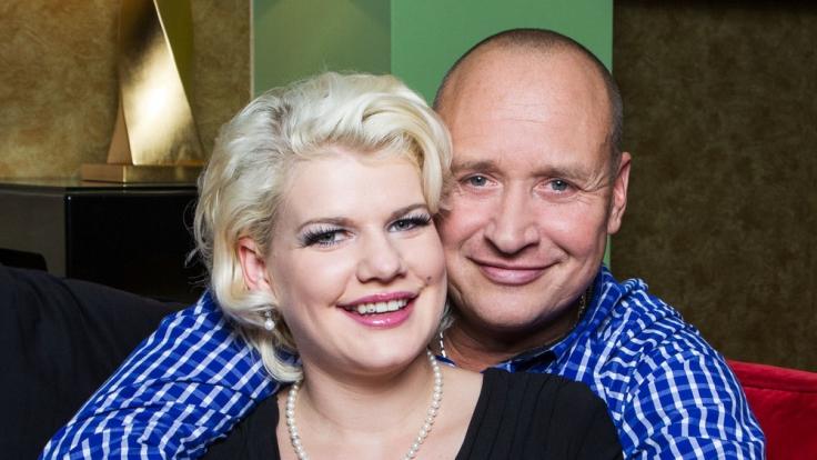 """Melanie Müller und ihr Ehemann Mike Blümer sind verliebt wie eh und je. Im Januar 2015 zeigte RTL II die vierteilige Doku-Soap """"Melanie Müller – Dschungelkönigin in Love"""". (Foto)"""