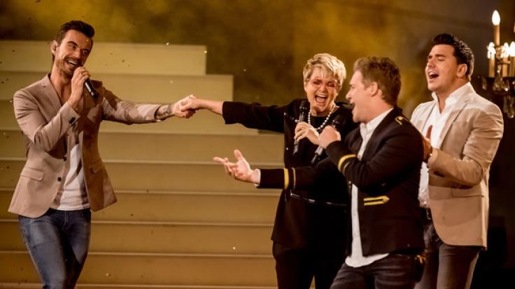 Florian Silbereisen hält um die Hand von Fürstin Gloria von Thurn und Taxis an - wenn auch nur im Spaß.