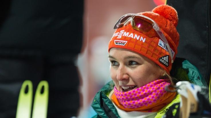 Die Deutsche Denise Herrmann freut sich über ihren ersten Weltcupsieg im schwedischen Östersund.