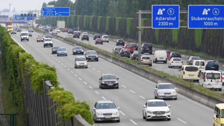 Der Verkehr dürfte am Wochenende meist störungsfrei rollen. (Foto)