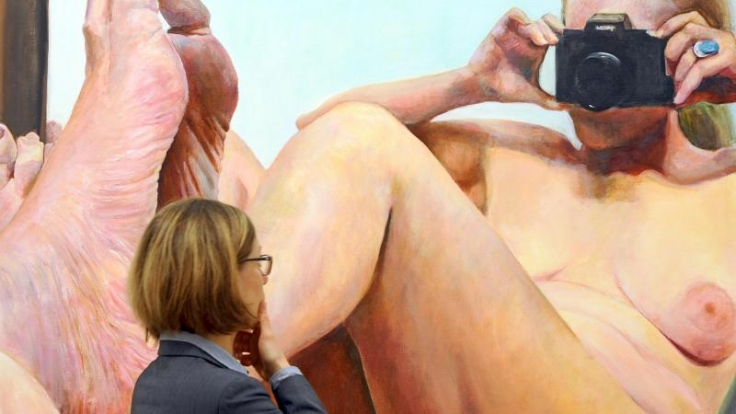 Nackte Dröhnung - das Gemälde der der New Yorker Künstlerin Joan Semmel zeigt Frau in voller Üppigkeit. (Foto)