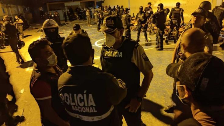 Bei gewalttätigen Auseinandersetzungen zwischen verfeindeten Banden sind in dem Gefängnis in Ecuador mehr als 100 Menschen ums Leben gekommen. (Foto)