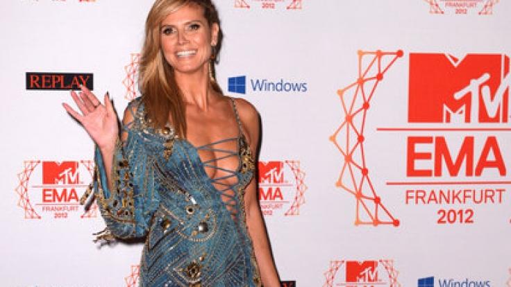 2012 sah Heidi noch ganz anders aus: Mit vollen und gesunden Lächeln und natürlich einem unglaublich vollen und sexy Dekolleté. (Foto)