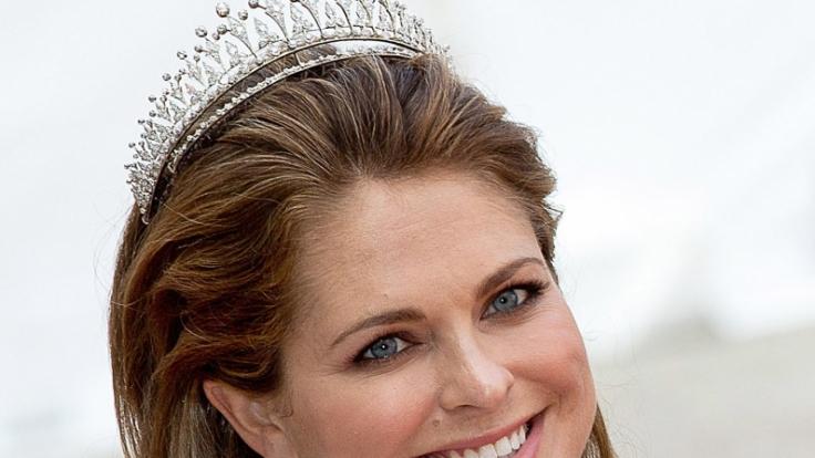 Prinzessin Madeleine von Schweden hat allen Grund zum Strahlen: Die 35-Jährige ist mit ihrem dritten Kind schwanger. (Foto)