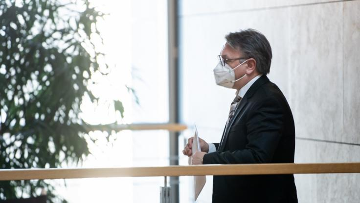 Der Bundestag hat die Immunität des CSU-Abgeordneten Georg Nüßlein aufgehoben. (Foto)