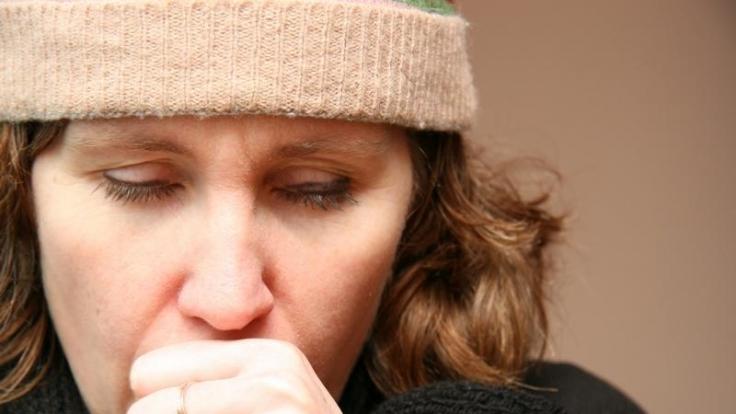 Halsweh kann vonSchilddrüsen-Entzündung rühren (Foto)