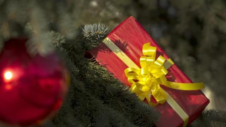 Weihnachten und Silvester frei zu haben, ist nicht selbstverständlich. Denn eigentlich sind beide Tage keine gesetzlichen Feiertage.