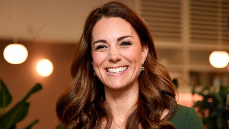 Kate Middleton strahlt über beide Ohren - ist die Herzogin etwa zum vierten Mal schwanger?