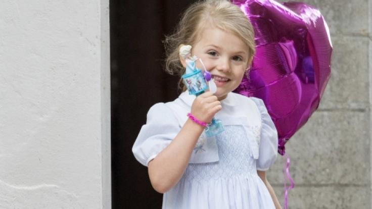 Für die schwedische Prinzessin Estelle sollte im August der Ernst des Lebens beginnen.