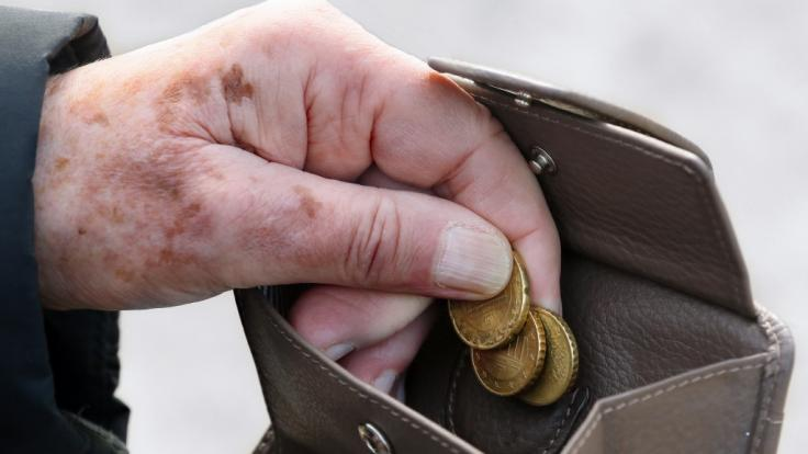 Immer mehr Menschen droht im Alter Armut. (Foto)
