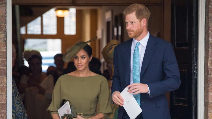 Herzogin Meghan hat immer wieder mit Skandalen um ihre Familie zu kämpfen, doch davon lässt sie sich nichts anmerken.
