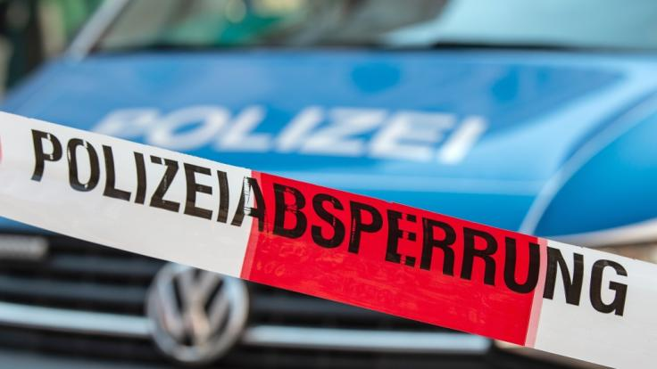 Nach dem Fund einer weiblichen Leiche in Neuenkirchen (Nordrhein-Westfalen) ermittelt die Polizei (Symbolbild). (Foto)