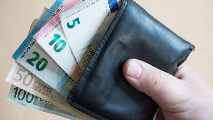 Das Einkommen ist in Deutschland auch weiterhin sehr ungleichmäßig verteilt. (Foto)
