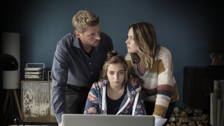 Was private Fotos oder Videos, die von jemandem anderen hochgeladen wurden, im Leben einer Familie anrichten können, das zeigt der Film