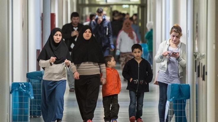 Wie stehen die Parteien zur Flüchtlingspolitik vor der Bundestagswahl 2017? (Foto)
