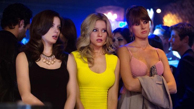 Rose (Liz Carey, l.), Meghan (Elizabeth Banks, M.) und Denise (Sarah Wright) stellen fest: Nicht alle Männer sind ein Hauptgewinn.