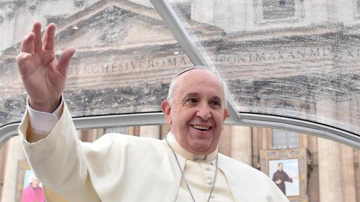 Papst: Katholiken müssen sich nicht «wie Karnickel» vermehren. (Foto)
