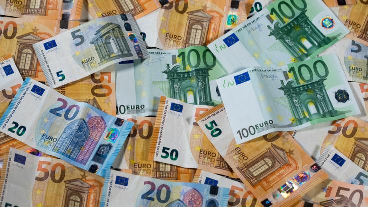 Mit der Zahlung von Zins und Tilgung von Verbraucherkrediten kann es dann eng werden. (Foto)