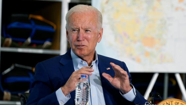 """US-Präsident Joe Biden teilte bei einer Kundgebung heftig gegen einen vermeintlichen """"Klon von Donald Trump"""" aus. (Foto)"""