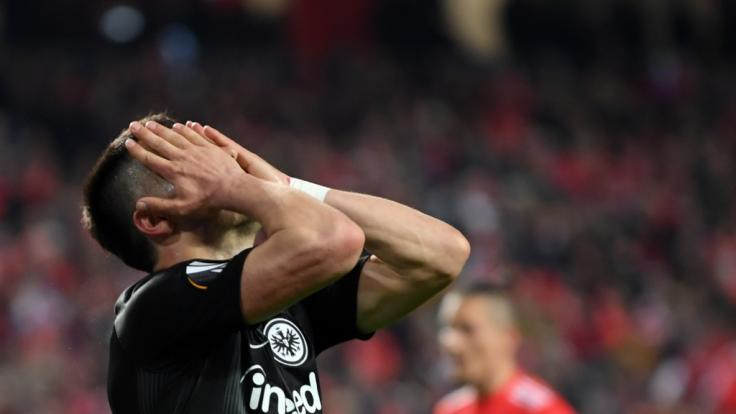 Filip Kostic von Frankfurt ist nach der Niederlage gegenBenfica Lissabon sichtlich enttäuscht. (Foto)