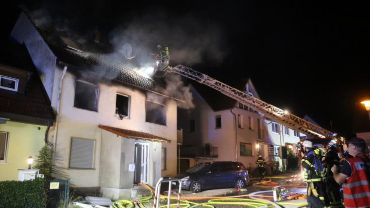 Nach einem Brand in einem Wohnhaus in Blaubeuren sind der Vater und zwei Töchter tot. (Foto)