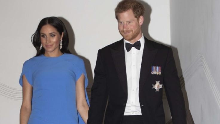 Weicht nicht von Meghans Seite: Prinz Harry.