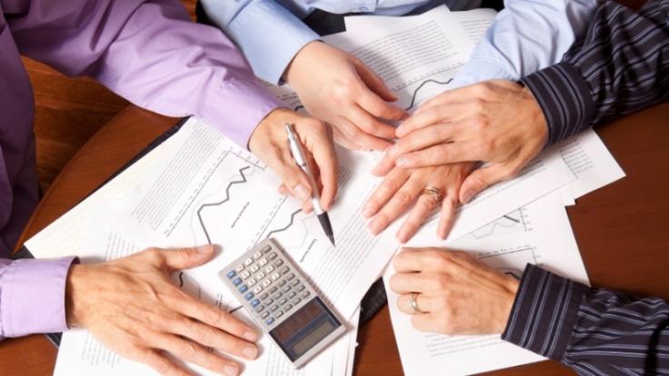Der Wohngeldantrag besteht aus vielen Seiten und verlangt dem Antragsteller einiges ab. Und doch lohnt es sich, ihn gewissenhaft auszufüllen. (Foto)