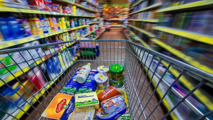 Eine Betrunkene hat in einem Supermarkt in Regensburg ihre große Notdurft verrichtet.