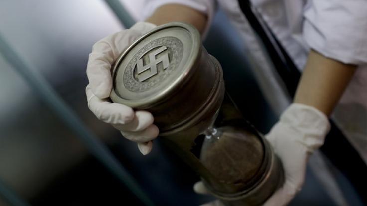 Die Polizei hat bei einer Razzia am 08. Juni in der Nähe von Buenos Aires den größten Fund an Nazi-Gegenständen in der Geschichte des Landes gemacht.