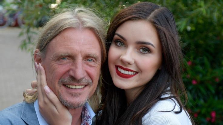 Die Beziehung zwischen Unternehmer Frank Otto und Model Nathalie Volk gefällt nicht jedem.