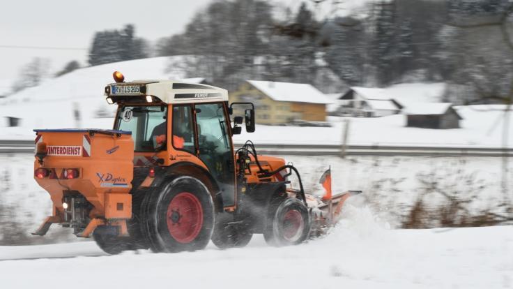 In Weitenau wurde ein Junge beim Schneeräumen schwer verletzt. (Foto)