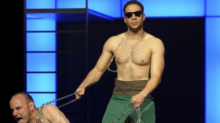 "Mike Adler spielt Mercutio im Theaterstück ""Romeo und Julia"" im Maxim Gorki Theater in Berlin (2009). (Foto)"