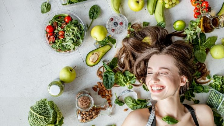 Mit bestimmten Lebensmitteln können Sie Ihre Haare spürbar kräftigen. (Foto)